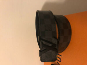 Men's Louis Vuitton Damier Belt and Matching Damier Coin Pouch