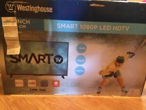 "32"" Smart 720P LED SMART TV"