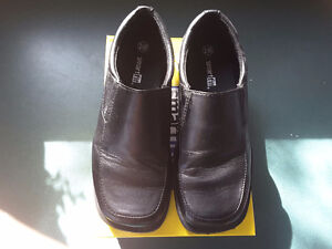 Boys dress shoes size 1 1/2 black only worn one time Cambridge Kitchener Area image 1