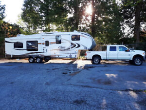 2012 Cougar 323 MKS 5th Wheel and 2012 Ford F350 Turbo Diesel Tr
