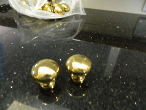 (30) Brass drawer/cabinet knobs