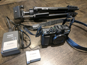 Canon G10 PowerShot Camera with accessories