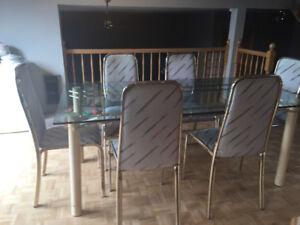 Surplus de meubles à vendre
