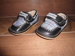 Leather squeaky shoes - TODDLER size 5 - gently used