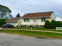 Bungalow in Pinewood with Double Car Garage - Sept 15th