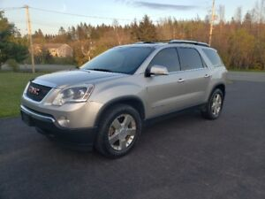 2008 GMC Acadia SLT-2 Fwd DVD / Leather / Panoramic Moon Roof!