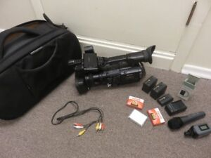 1 SONY HDV PROFESSIONAL VIDEO RECORDER WHOLE KIT TOGETHER. GREAT
