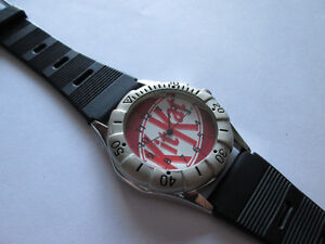 VINTAGE KIT-KAT MEN'S WATCH, ROTATING BEZEL!