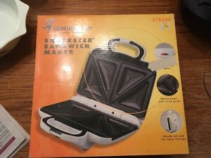 Snackster Sandwich Maker