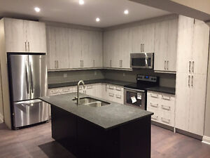 Executive Townhome In Beautiful Collingwood Community