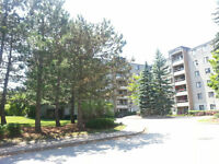 GUELPH CONDO - TOP FLOOR - AWESOME LOCATION