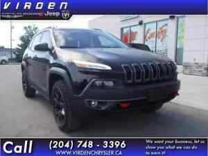 2016 Jeep Cherokee Trailhawk **LOW KMS!! TOUCHSCREEN!!**