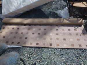 Indoor/Outdoor Rug, tan/black