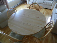 KITCHEN /DINING TABLE WITH 4 CHAIRS WITH CUSHIONS