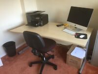 Very nice office desk / computer desk with office swivel chair. Great condition. Can deliver.