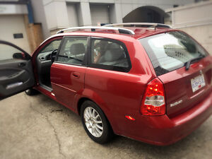 Suzuki forenza wagon 05 RED like new with sun roof !!!!!