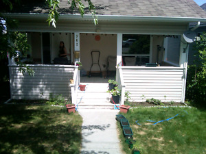 Downtown house for rent or House with Acreage for rent