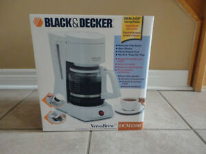 Black and Decker 12 cup coffee maker - white colour