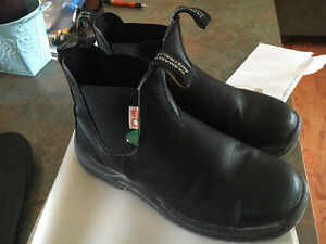 Blundstones safety boots