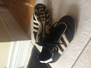 Addidas soccer cleats size 10