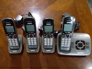 Set of  4 cordless phones
