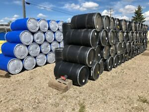 OVER 650 X REMOVABLE LID PLASTIC BARRELS AND STEEL DRUMS