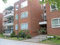 3 bedroom flat in Greenacres, FINCHLEY, N33