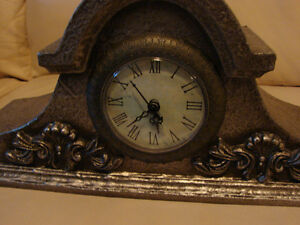 "small 13"" Replica Mantle Clock (Brighton By the Bay) Belleville Belleville Area image 2"