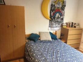 Available Immediately your next room, Spacious Double Bed bedroom near London Bridge flat share
