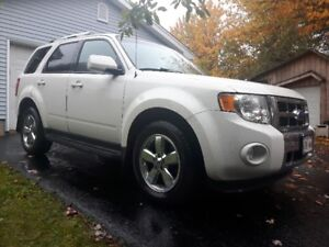 2011 Ford Escape Limited... REDUCED  $ 11,900 OBO