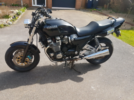 Yamaha XJR1200R
