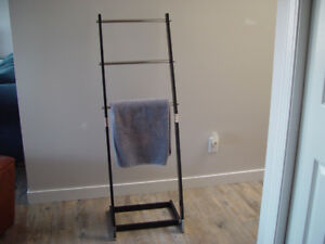 3 tiered free standing towel rack