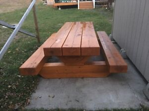 Confederation log home picnic table  Kawartha Lakes Peterborough Area image 2