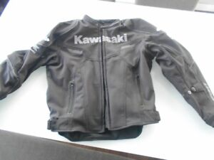 casque icom et manteau kayasaki sport