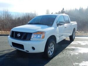 2015 Nissan TITAN S PACK LOW KM!!!  MUST SEE