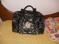 Michael kors doctor bag style purse