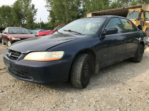 2000    Honda Accord LX** FOR PARTS ** INSIDE & OUTSIDE***