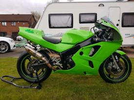 Kawasaki zx6r f3 track bike race bike