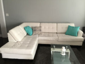Sectional w/ Table