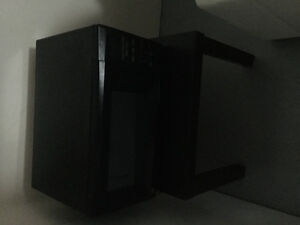 Selling a black microwave