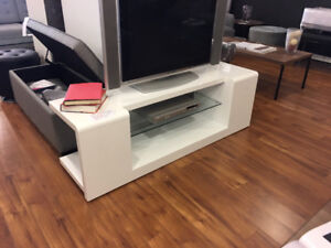 Modern white high gloss TV stand entertainment unit media center
