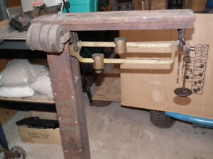OLD  DOUBLE  BEAM  WEIGHT  SCALE  EXCELLENT  COND. .