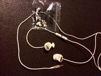 Marshall in ear headphones