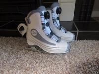 Girls/Ladies size 4 CCm skates