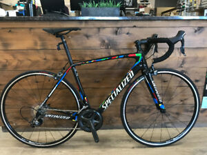 Velo de route neuf Specialized Tarmac Comp Carbone 17 gr 54