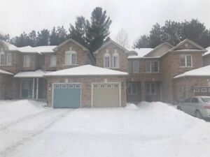 Beautiful 3 bdrm townhouse for rent in south west Barrie