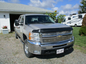 Like new,  Silverado  2500 HD Duramax diesel/ Allison, 117000 km