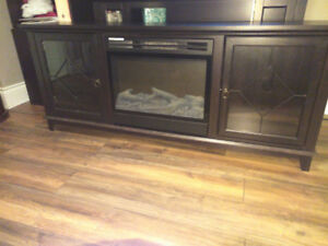 Excellent Condition Dark Walnut Electric Fireplace