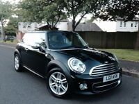 IMMACULATE 2011 MINI COOPER(D) FREE ROAD TAX TOP OF THE RANGE SPEC