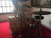 YAMAHA 5 Piece Drum Kit